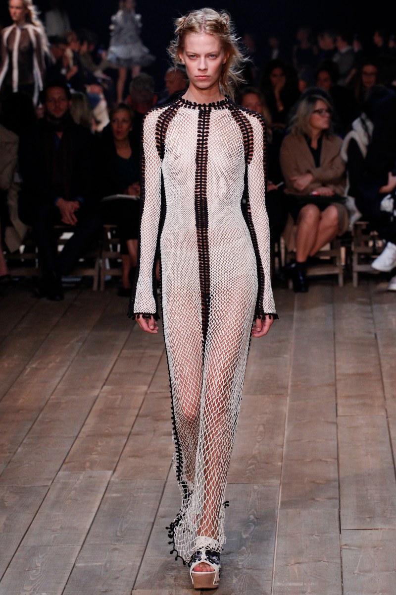 Alexander McQueen Ready To Wear SS 2016 PFW (10)