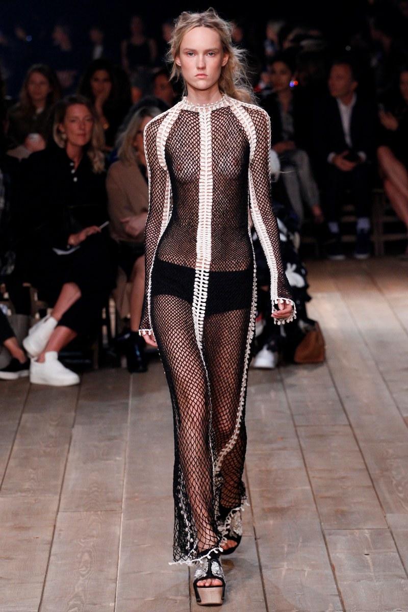 Alexander McQueen Ready To Wear SS 2016 PFW (11)