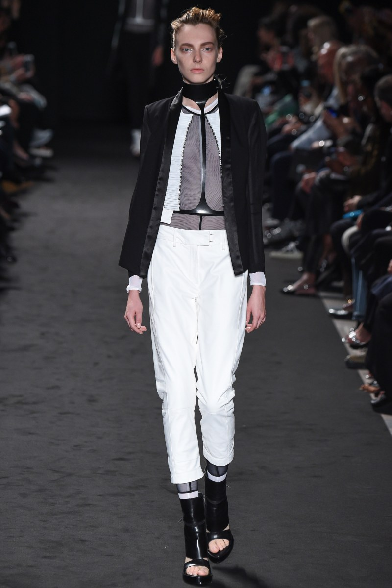 Ann Demeulemeester Ready To Wear SS 2016 PFW (3)