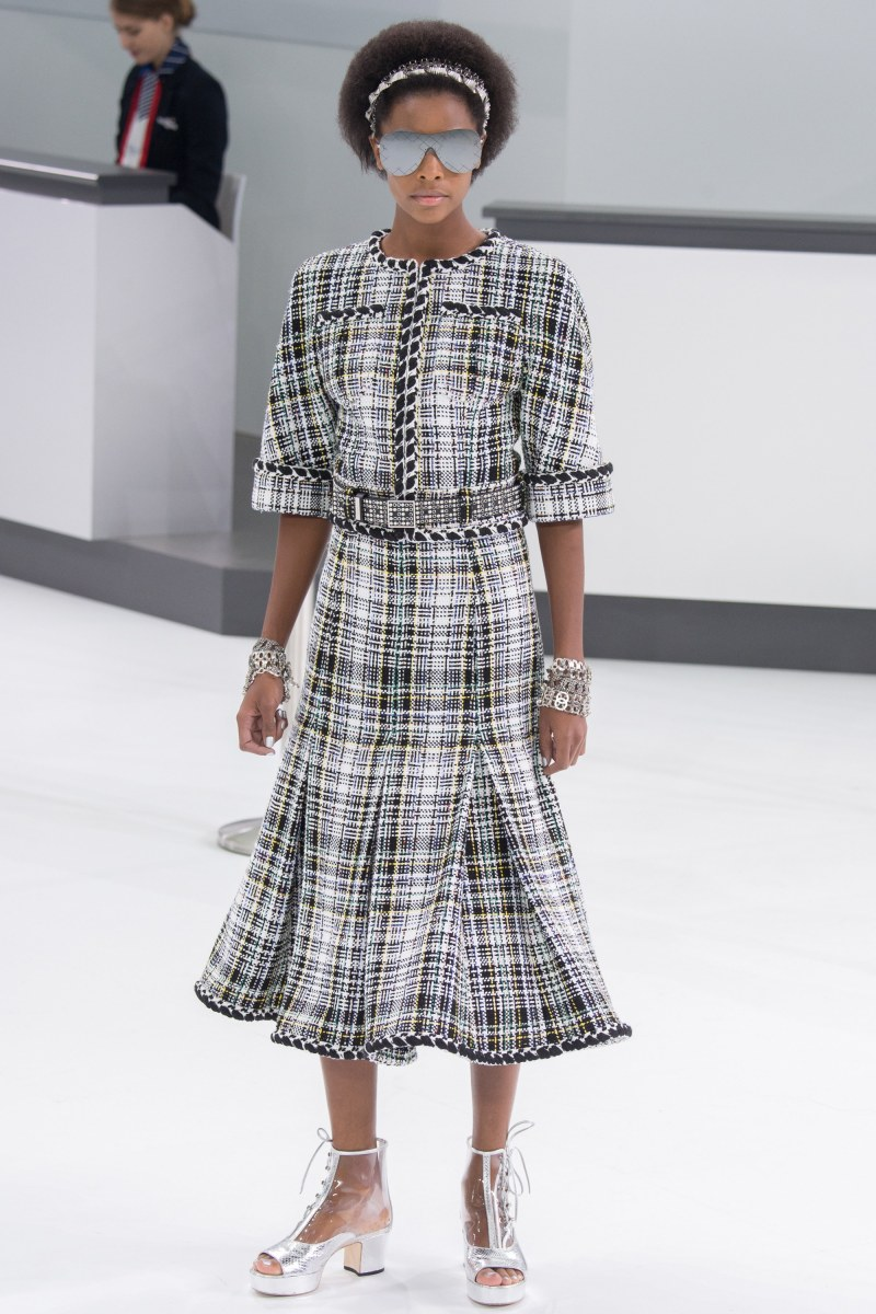Chanel Ready To Wear SS 2016 PFW (13)