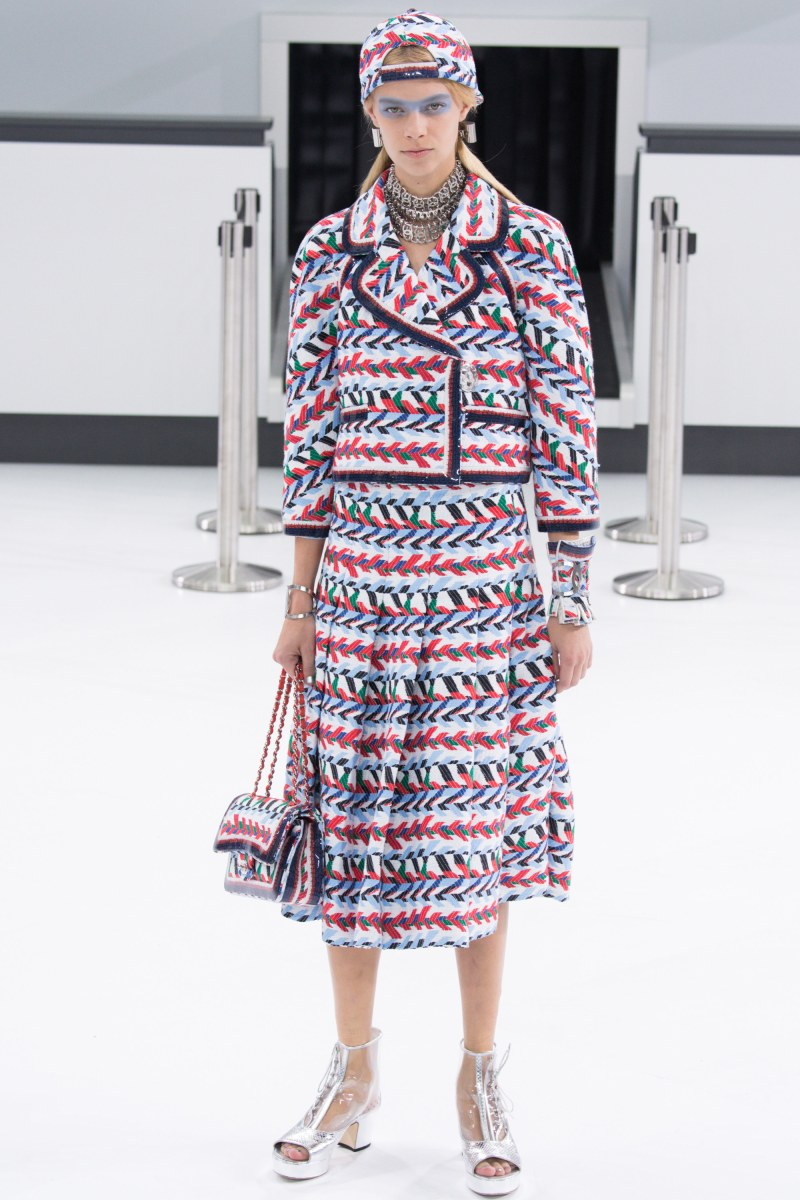 Chanel Ready To Wear SS 2016 PFW (2)