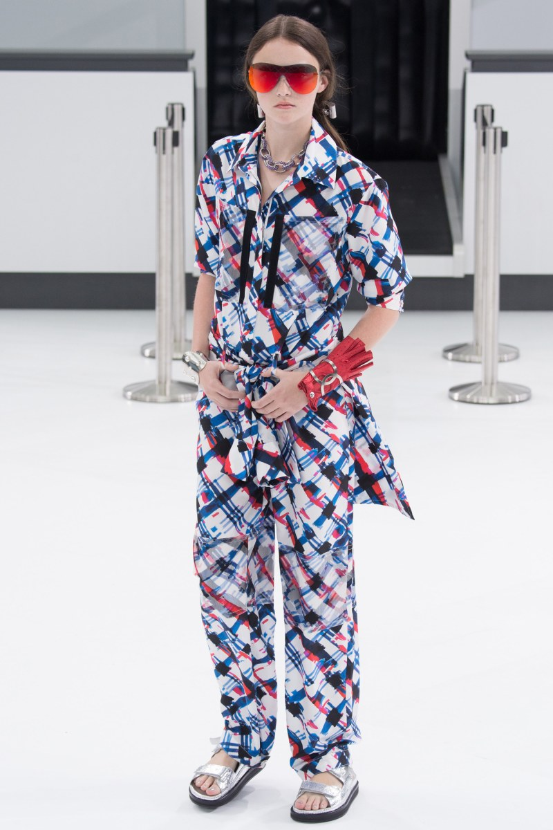 Chanel Ready To Wear SS 2016 PFW (20)