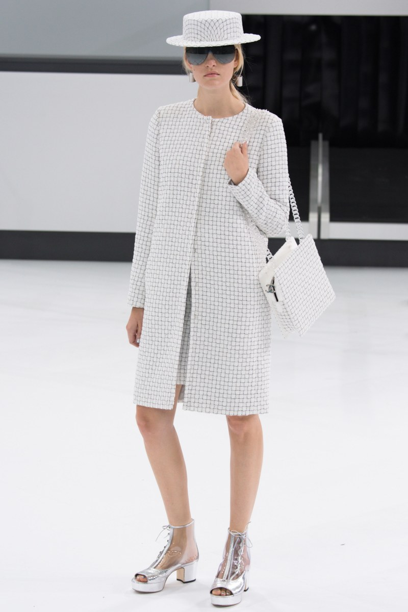 Chanel Ready To Wear SS 2016 PFW (35)