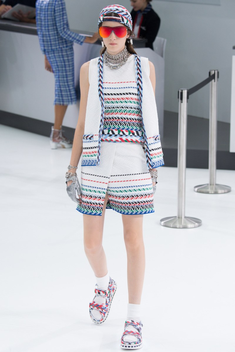 Chanel Ready To Wear SS 2016 PFW (42)