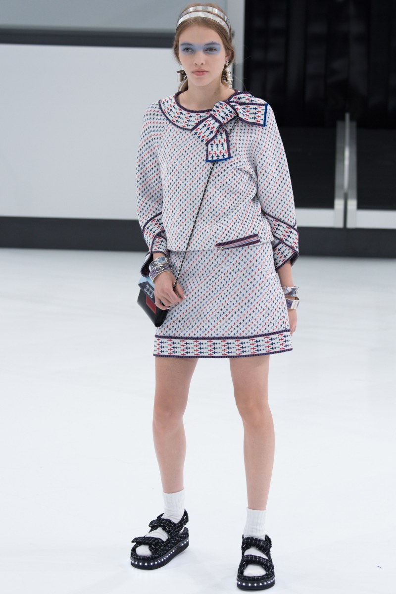 Chanel Ready To Wear SS 2016 PFW (45)