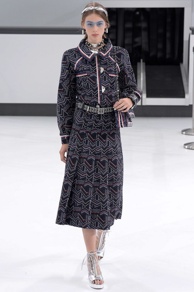 Chanel Ready To Wear SS 2016 PFW (5)