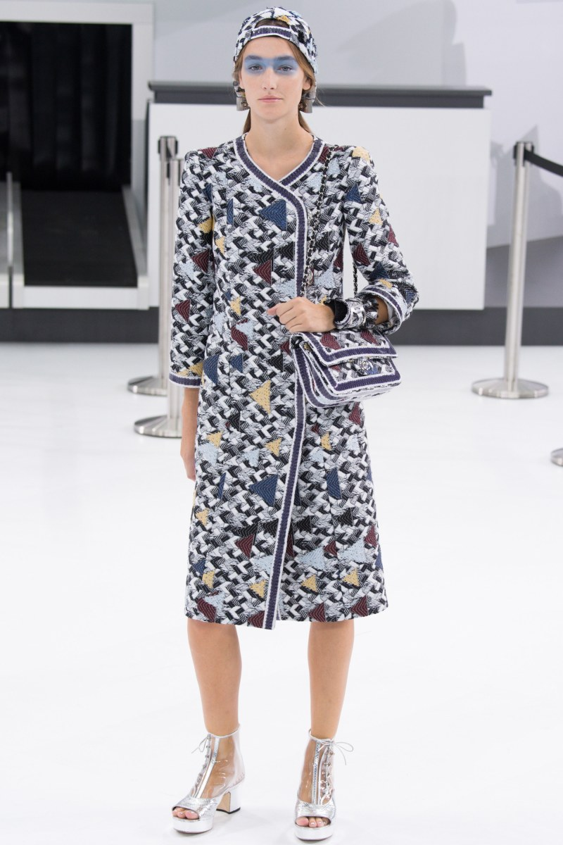 Chanel Ready To Wear SS 2016 PFW (7)