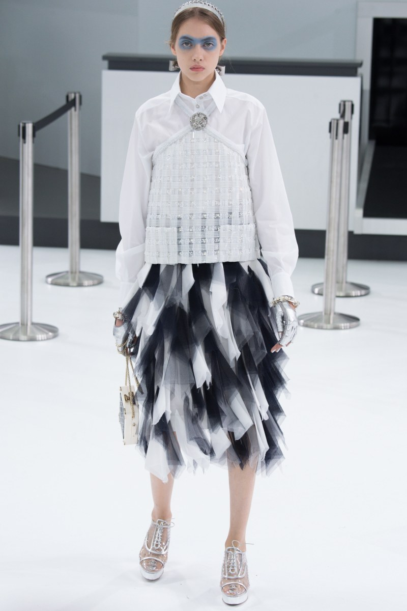Chanel Ready To Wear SS 2016 PFW (75)