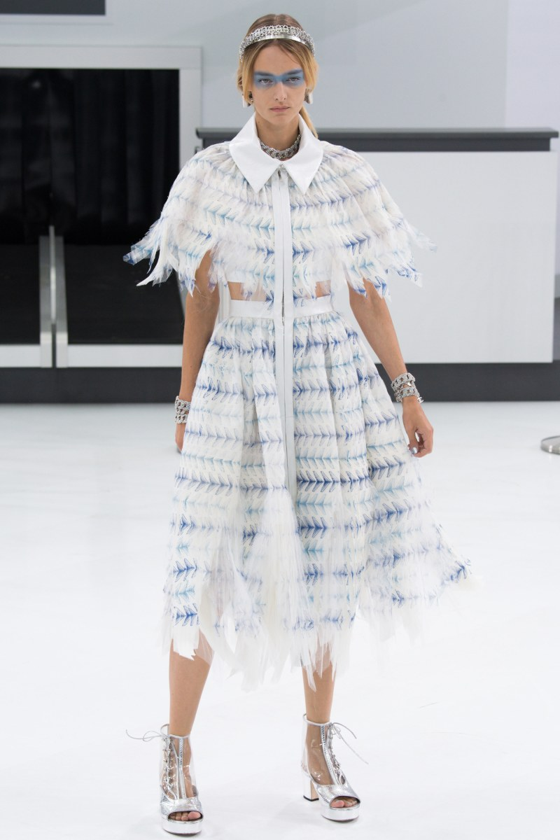 Chanel Ready To Wear SS 2016 PFW (85)