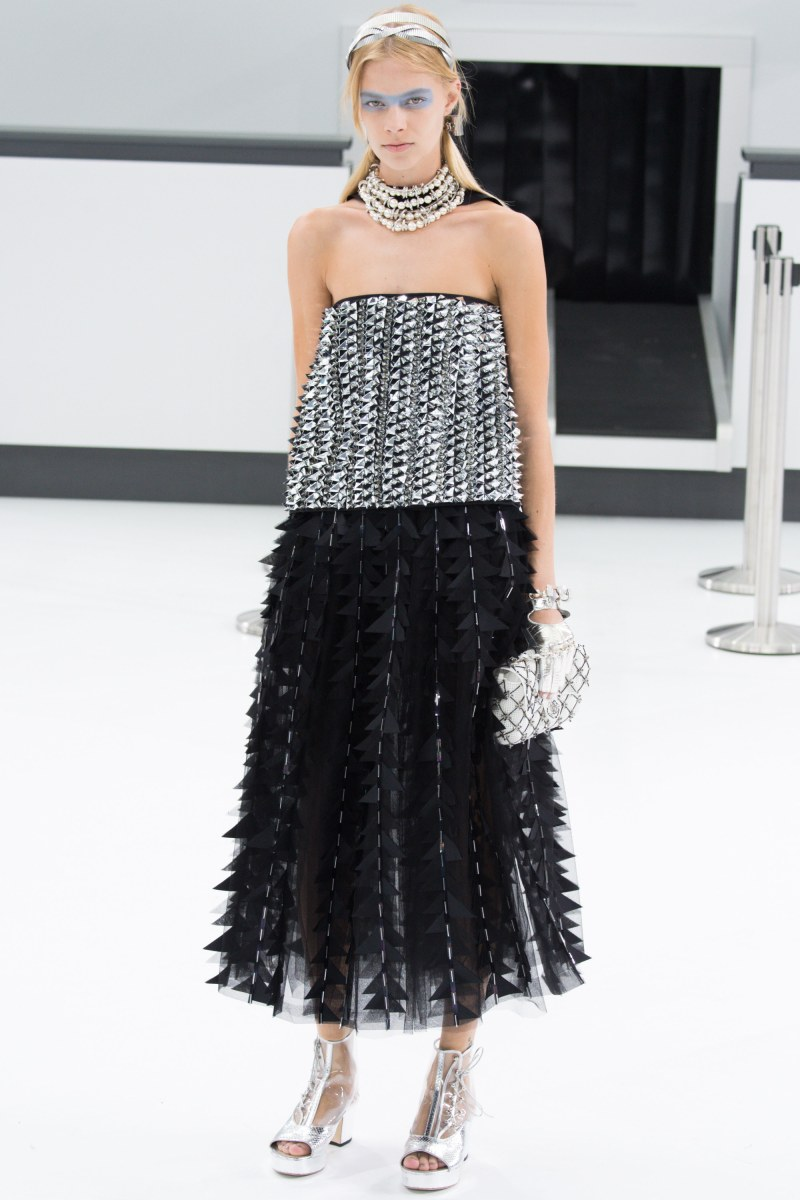 Chanel Ready To Wear SS 2016 PFW (92)