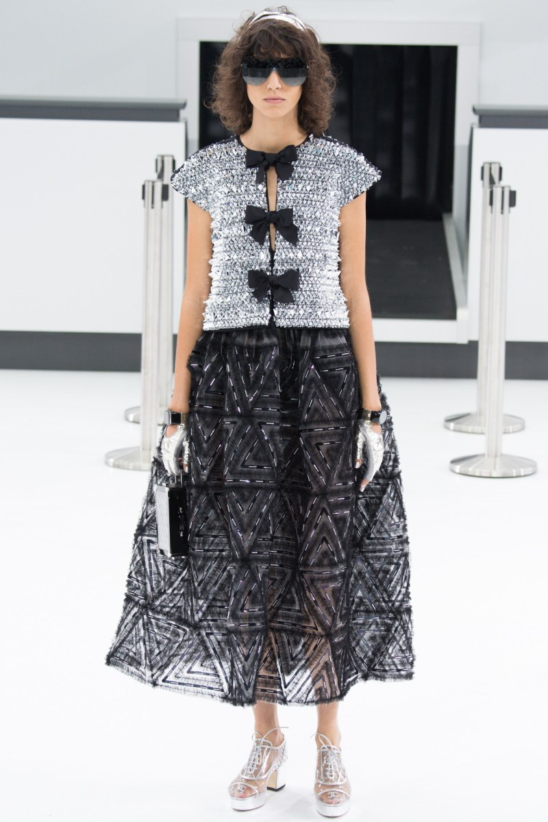 Chanel Ready To Wear SS 2016 PFW (96)