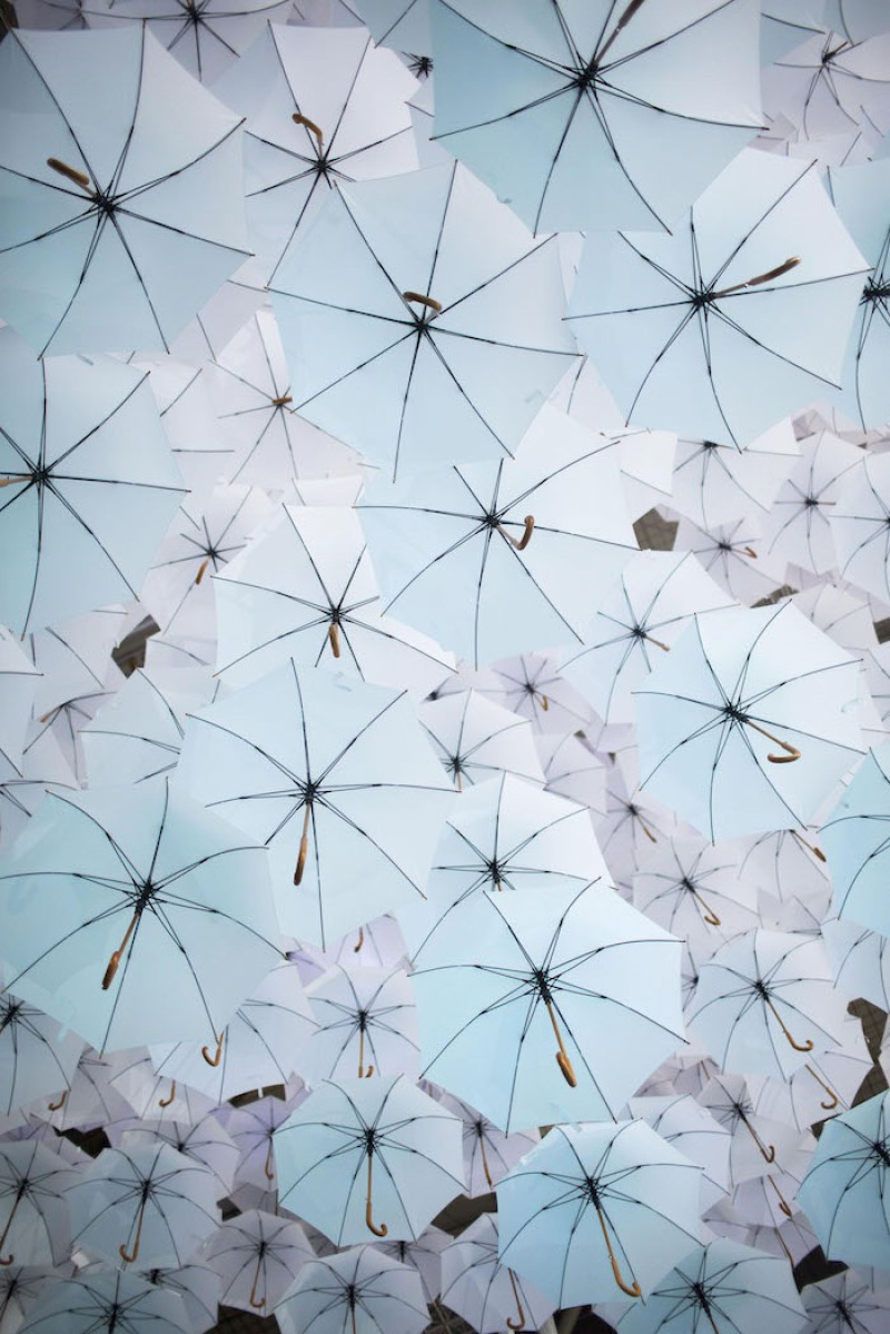Cloud Installation Made of 1,100 Umbrellas (3)