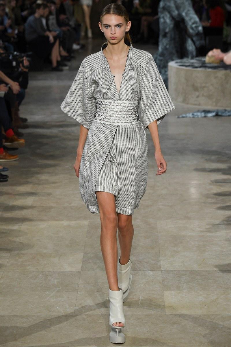 Iris van Herpen Ready To Wear SS 2016 PFW (4)