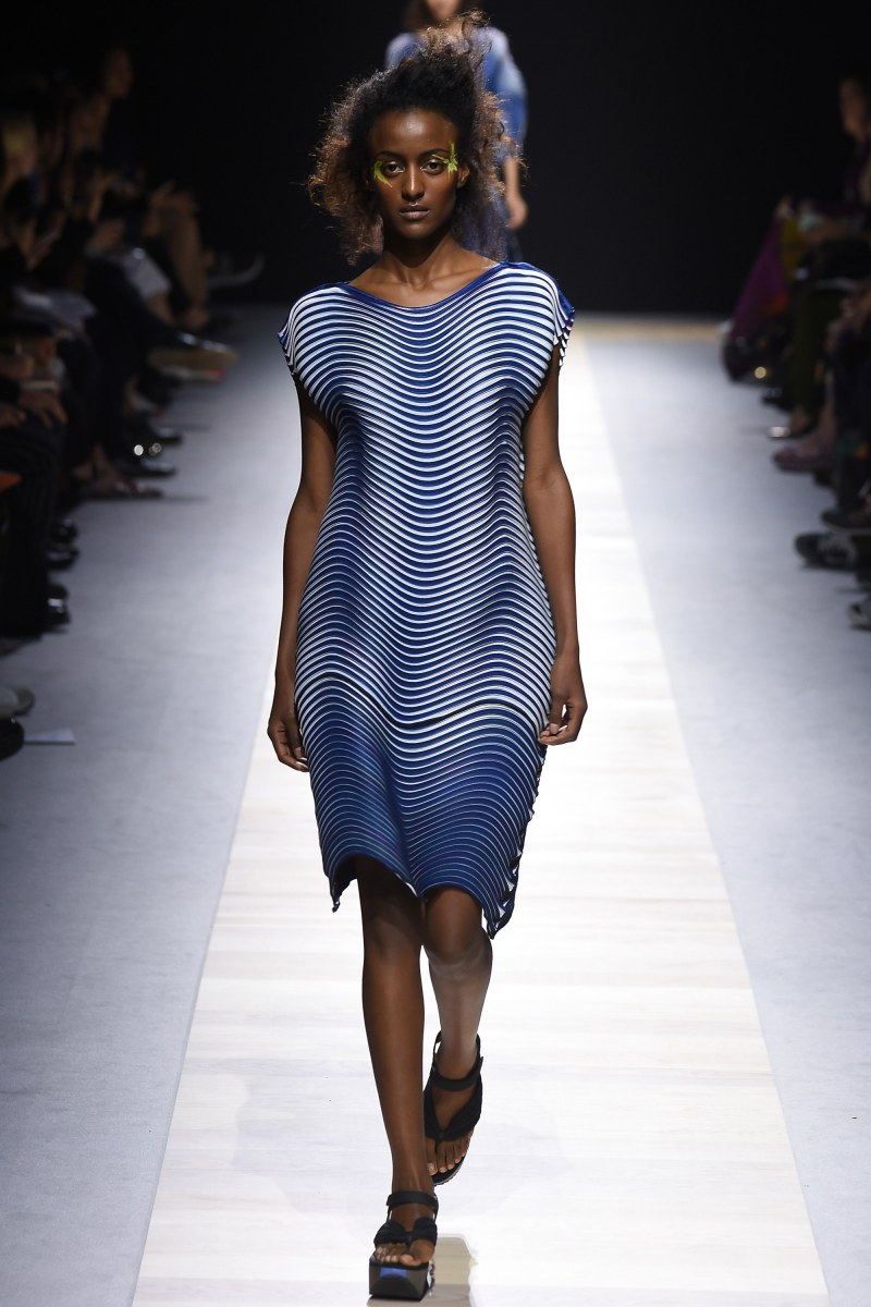 Issey Miyake Ready To Wear SS 2016 PFW (34)