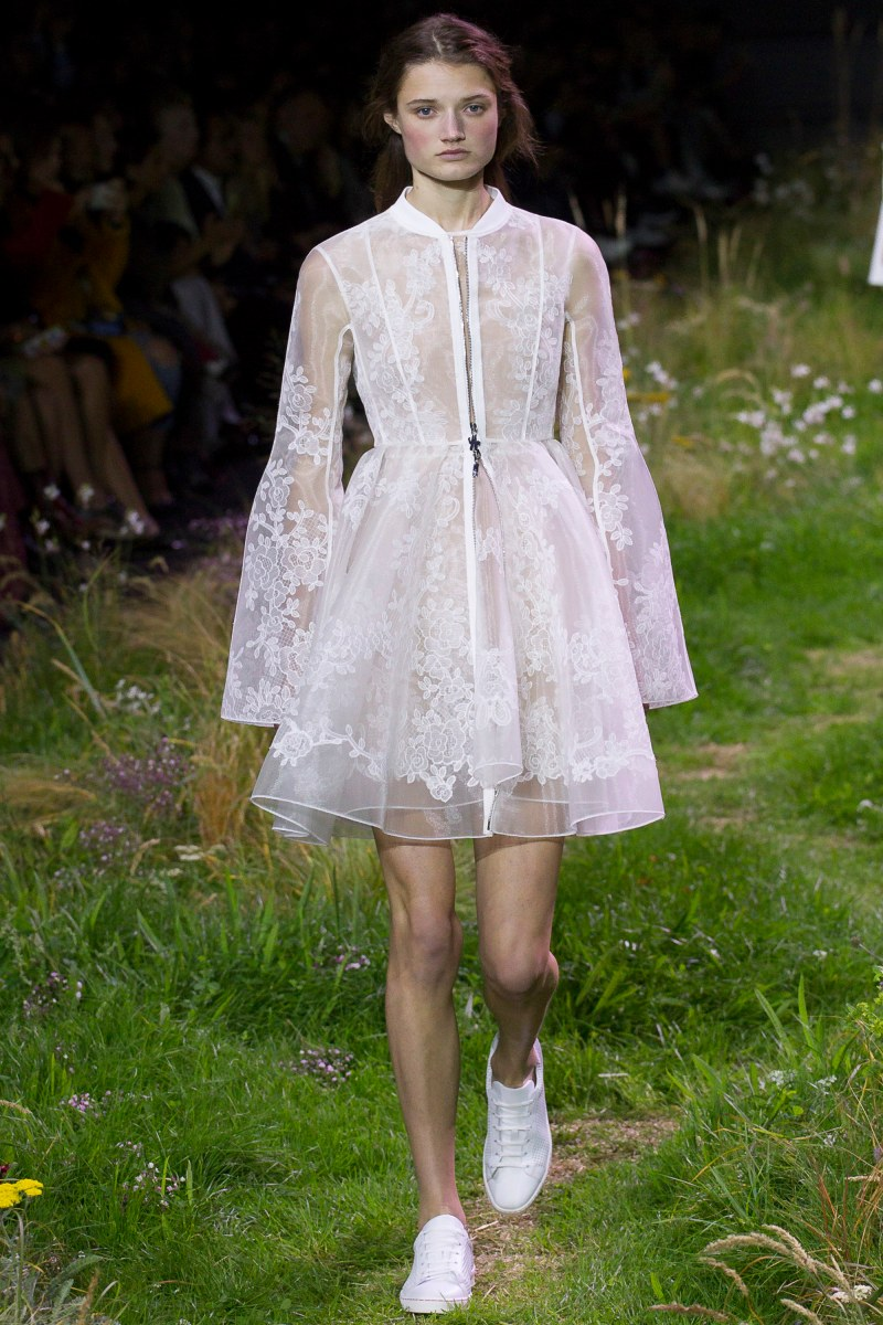 Moncler Gamme Rouge Ready To Wear SS 2016 PFW (1)