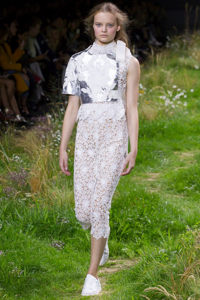 Moncler Gamme Rouge Ready To Wear SS 2016 PFW (12)