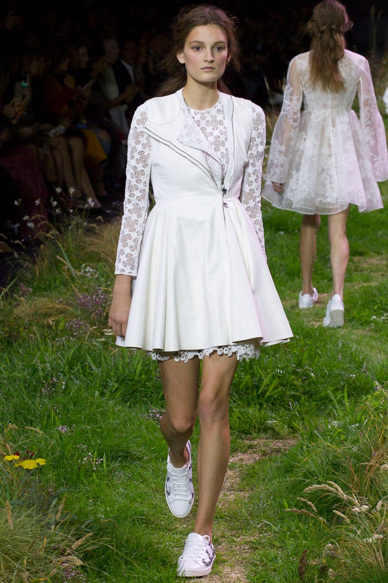 Moncler Gamme Rouge Ready To Wear SS 2016 PFW (2)