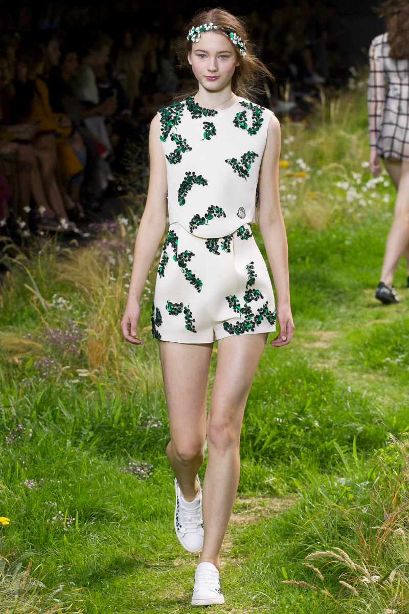 Moncler Gamme Rouge Ready To Wear SS 2016 PFW (21)