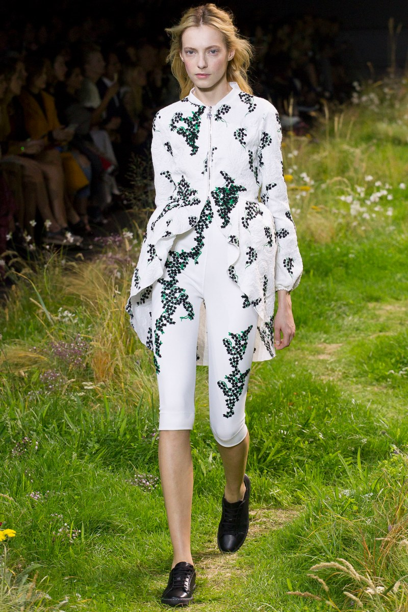 Moncler Gamme Rouge Ready To Wear SS 2016 PFW (23)