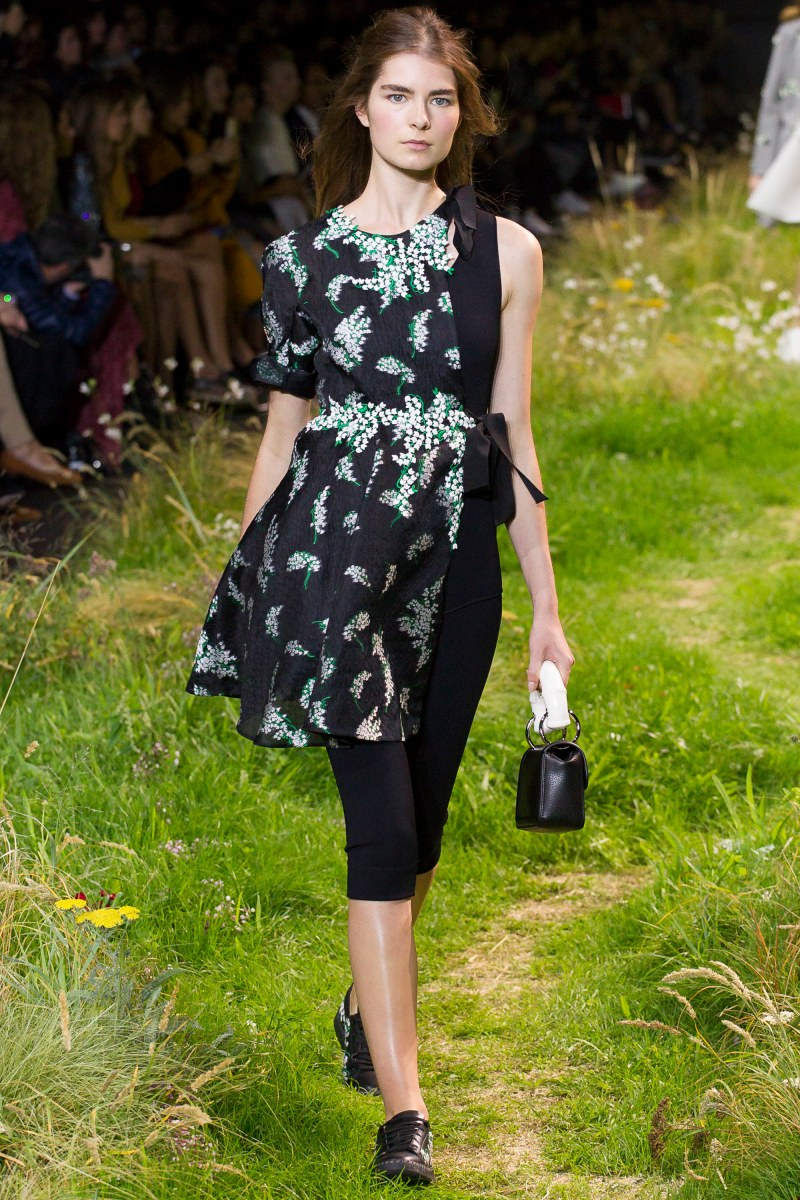Moncler Gamme Rouge Ready To Wear SS 2016 PFW (24)