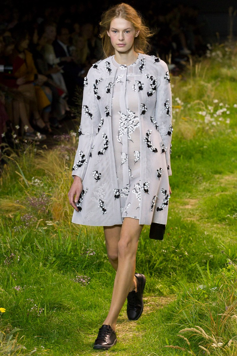 Moncler Gamme Rouge Ready To Wear SS 2016 PFW (28)