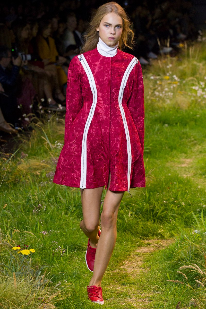 Moncler Gamme Rouge Ready To Wear SS 2016 PFW (34)