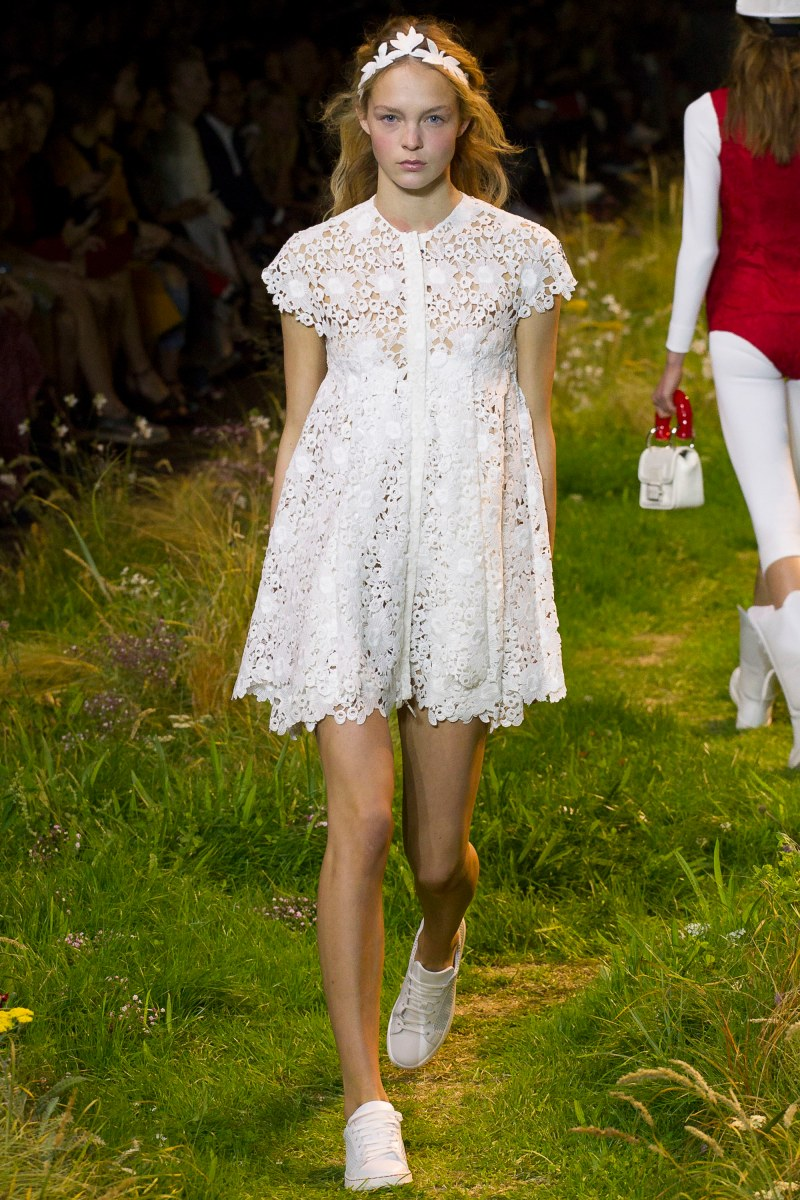Moncler Gamme Rouge Ready To Wear SS 2016 PFW (36)