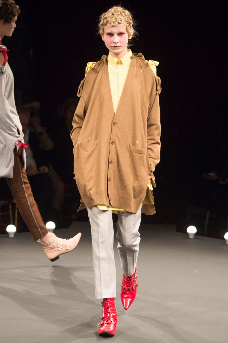 Undercover Ready To Wear SS 2016 PFW (12)