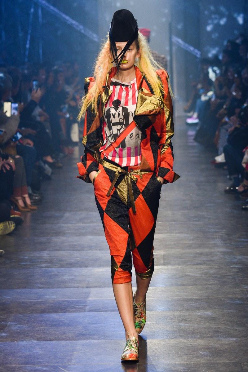 Vivienne Westwood Ready To Wear SS 2016 PFW (30)