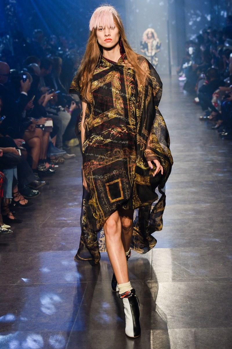 Vivienne Westwood Ready To Wear SS 2016 PFW (49)