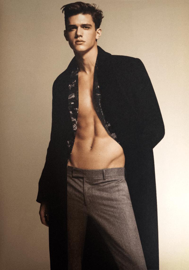 Xavier Serrano by Hong Jang Hyun
