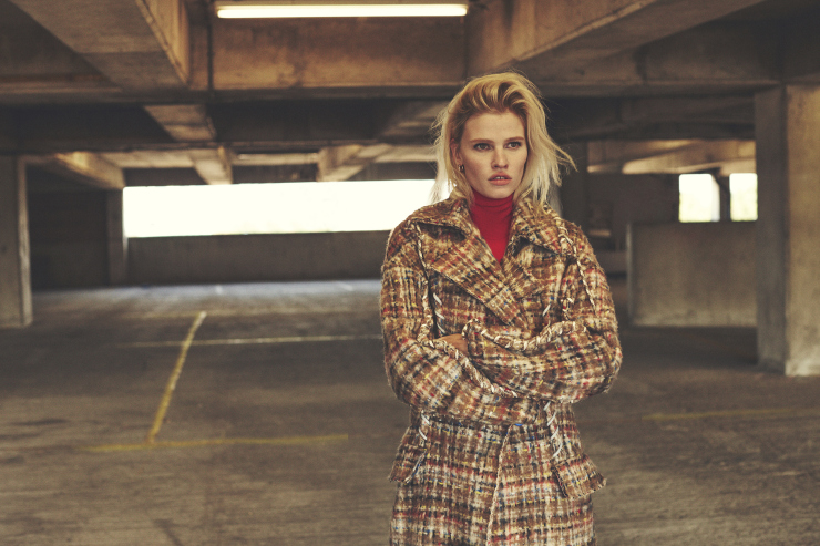 lara-stone-by-emma-tempest-for-russh-magazine-66-octobernovember-2015-12