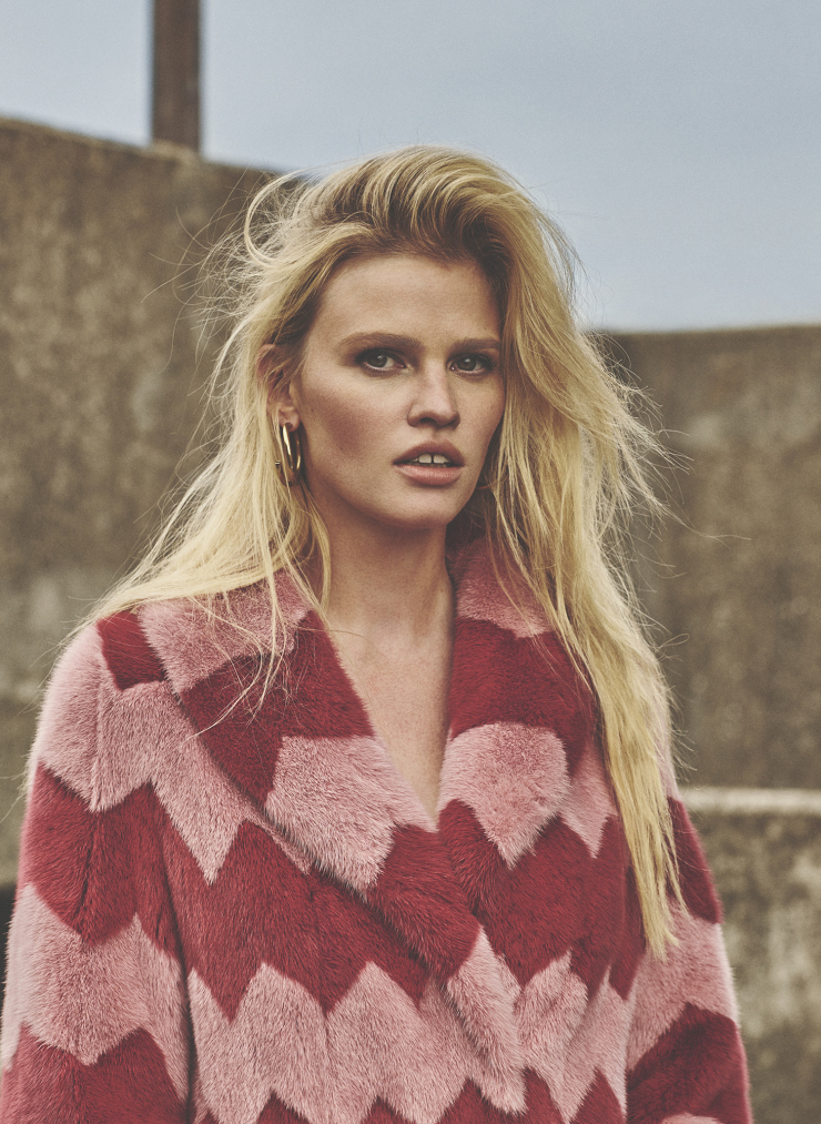 lara-stone-by-emma-tempest-for-russh-magazine-66-octobernovember-2015-15