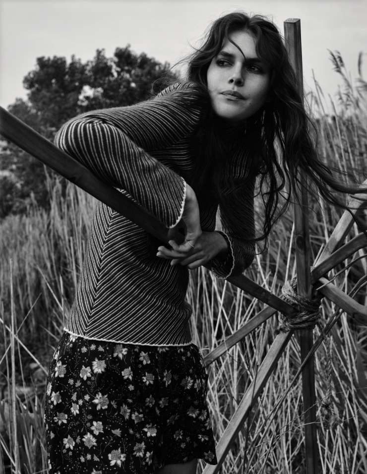 vanessa-moody-by-gregory-harris-for-dazed-magazine-october-2015-6