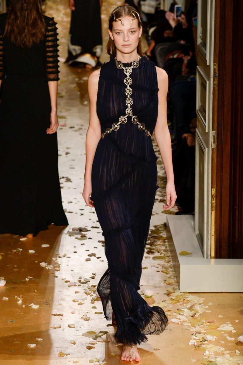 Valentino Haute Couture SS 2016 Paris (48)