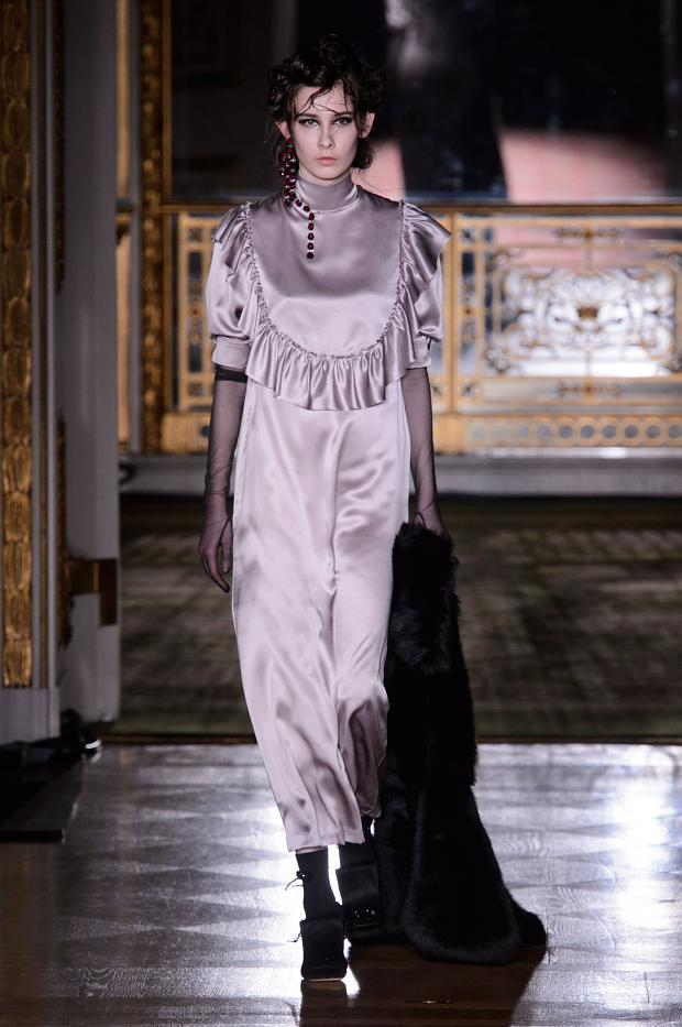 simone-rocha-autumn-fall-winter-2016-lfw27