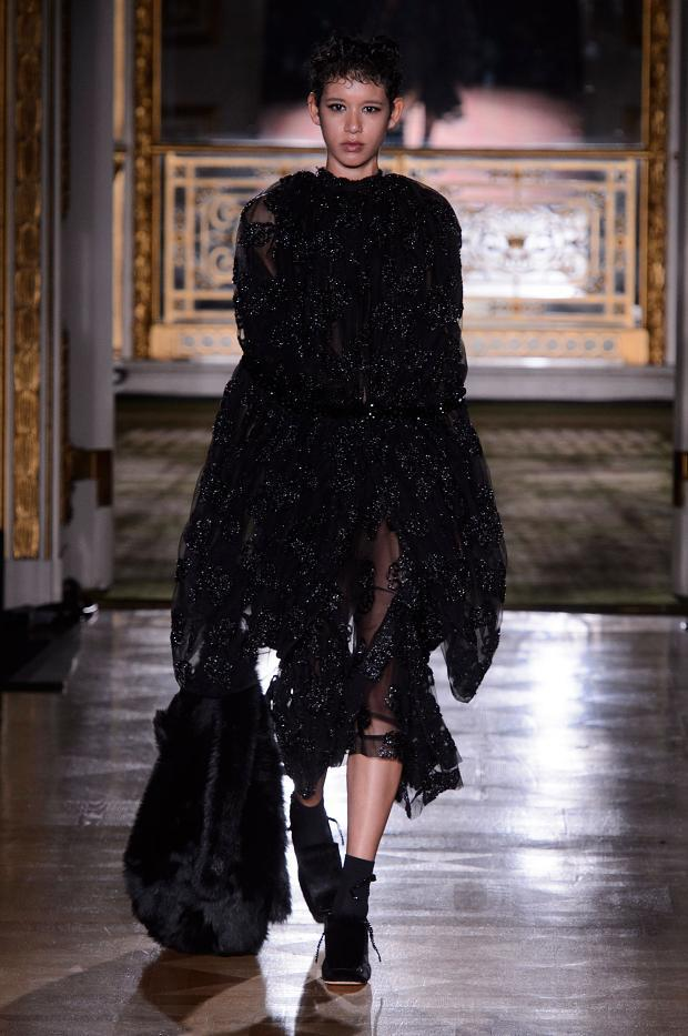 simone-rocha-autumn-fall-winter-2016-lfw30