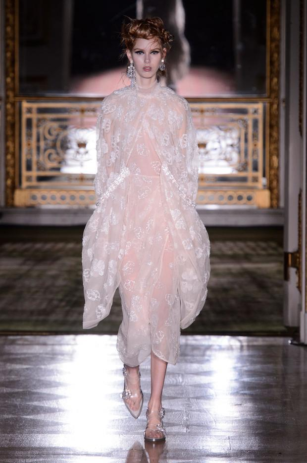 simone-rocha-autumn-fall-winter-2016-lfw5