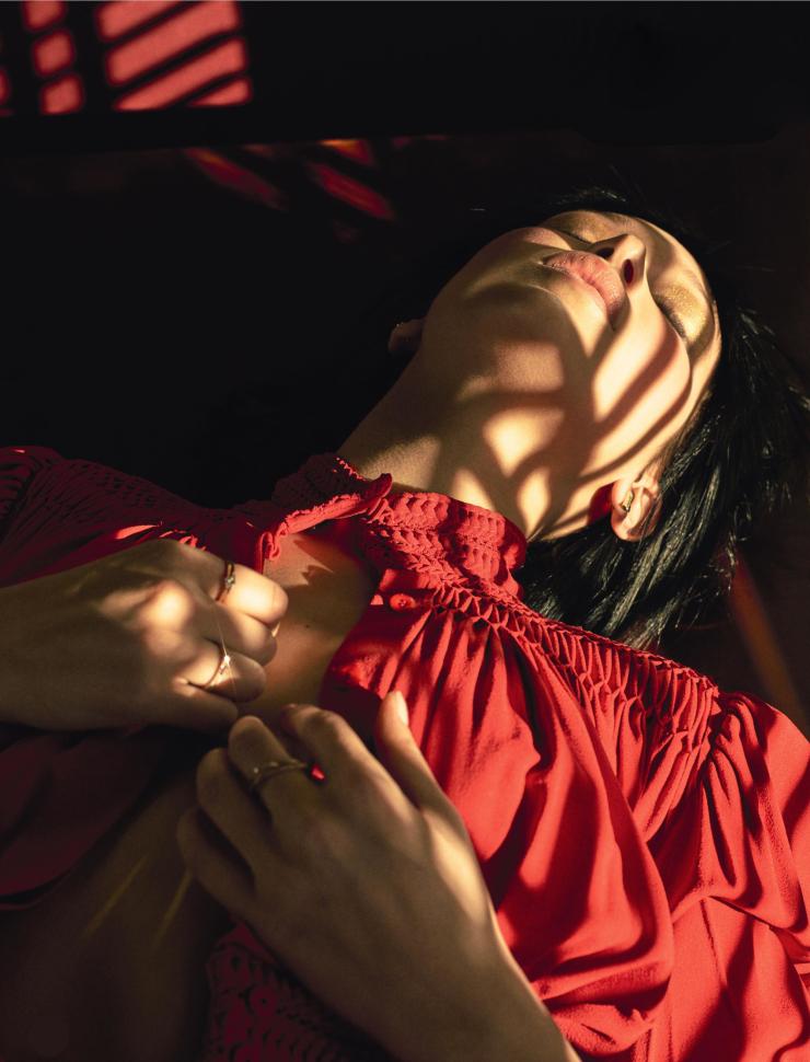 Bella Hadid by Sam Taylor-Johnson (1)