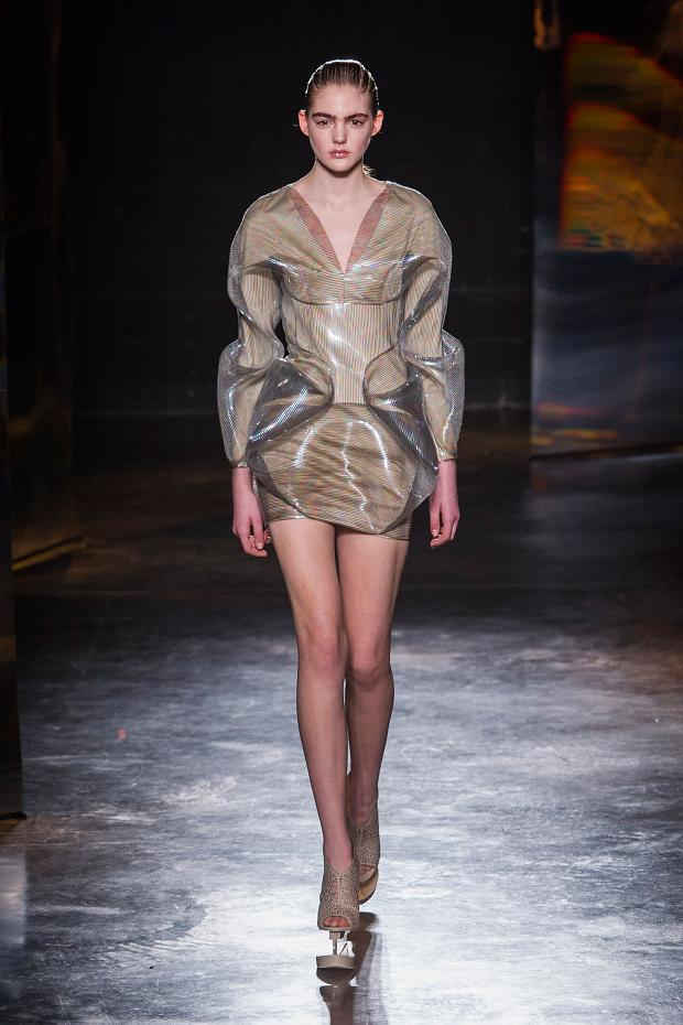 iris-van-herpen-autumn-fall-winter-2016-pfw14
