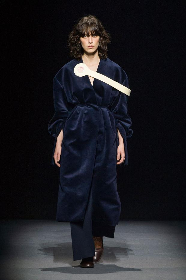 jacquemus-autumn-fall-winter-2016-pfw15