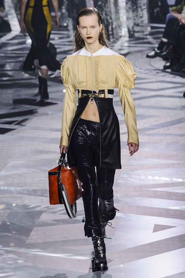 louis-vuitton-autumn-fall-winter-2016-pfw39