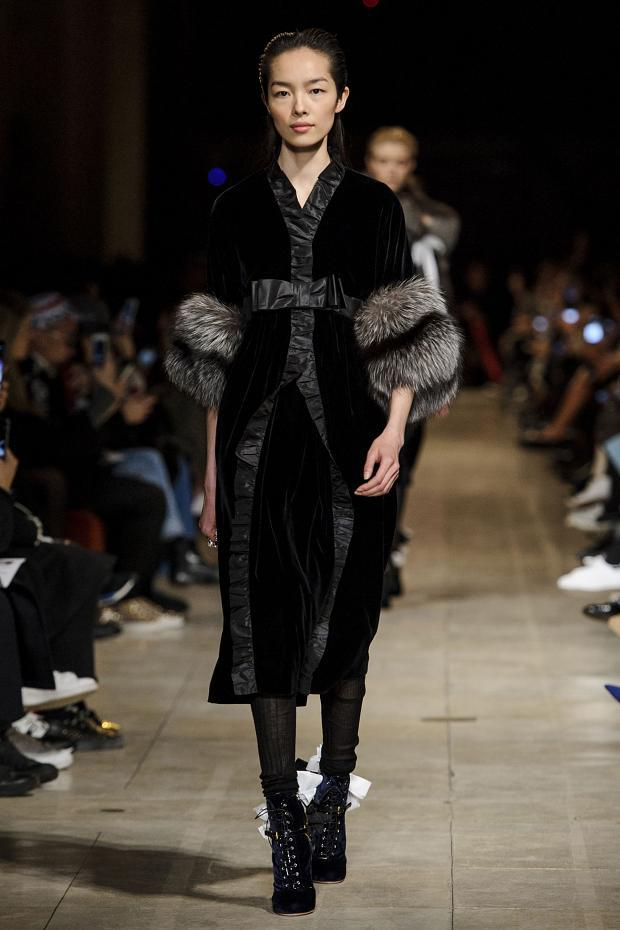 miu-miu-autumn-fall-winter-2016-pfw43