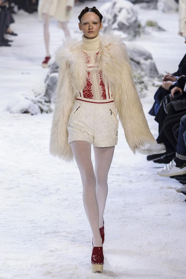 moncler-gamme-rouge-autumn-fall-winter-2016-pfw28