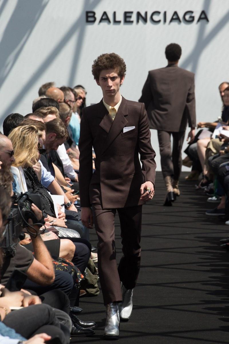 Balenciaga Menswear SS 2017 Paris (12)