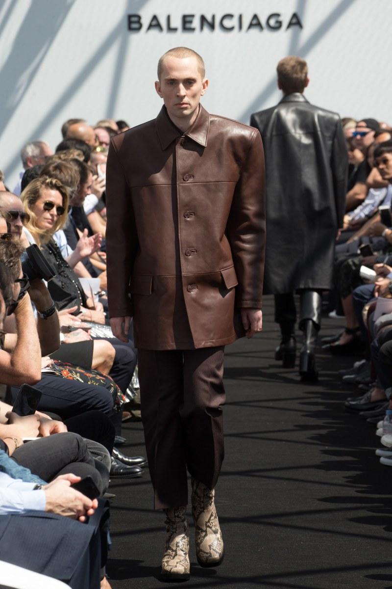 Balenciaga Menswear SS 2017 Paris (14)