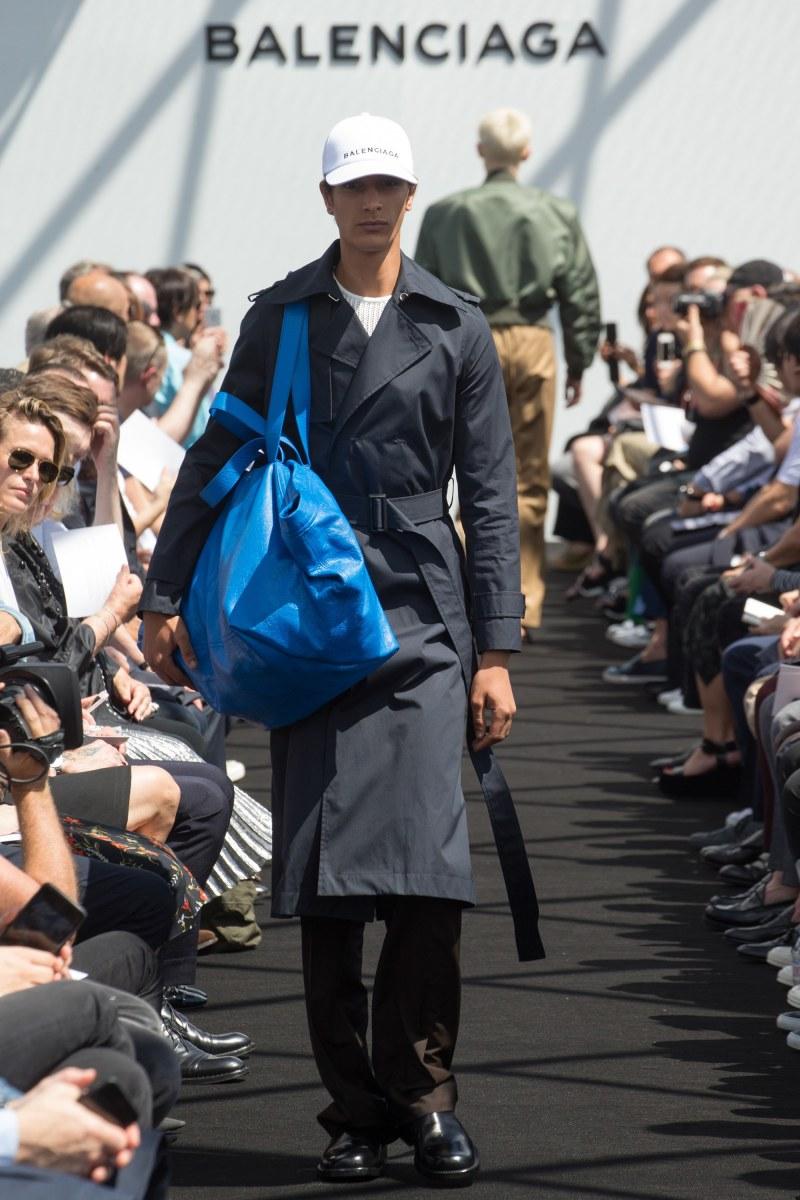 Balenciaga Menswear SS 2017 Paris (19)