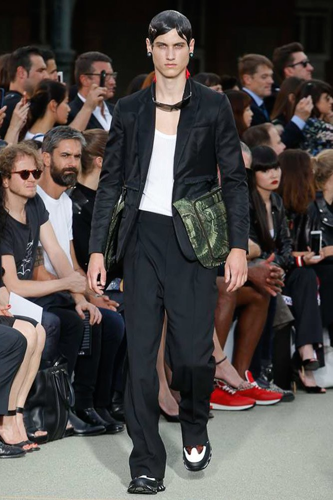 Givenchy Menswear SS 2017 Paris (1)