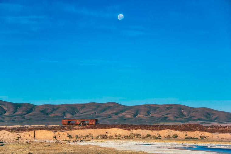 Abandoned Trains in Bolivia by Chris Staring (2)