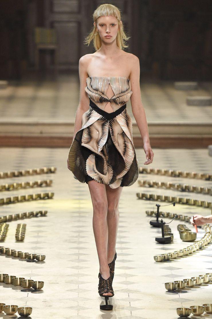 Iris van Herpen Haute Couture FW 2016 Paris (2)